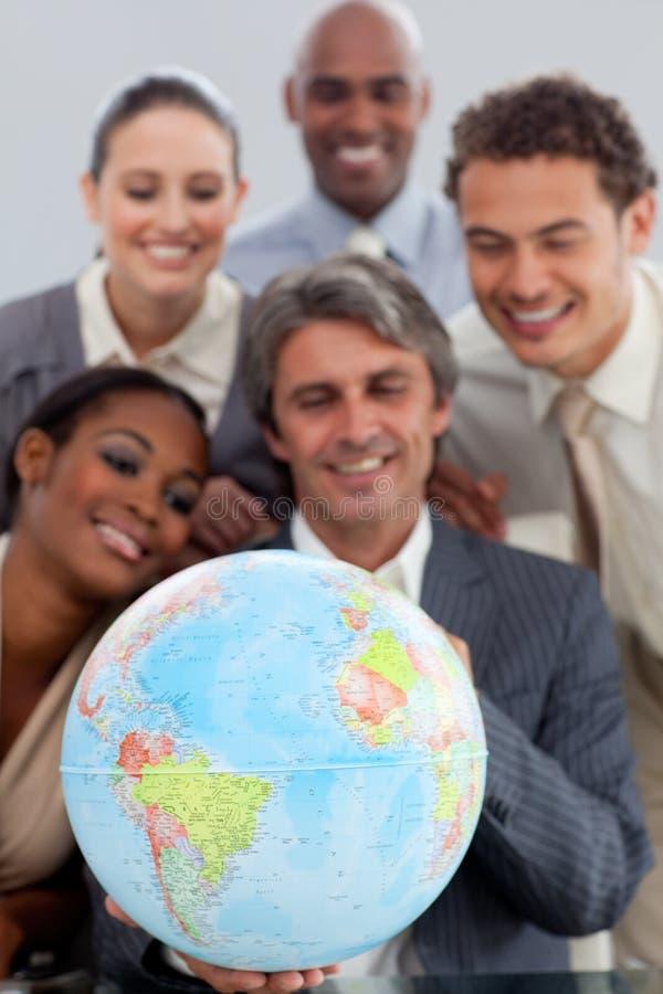 Una unidad de negocio que muestra diversidad étnica imagen de archivo