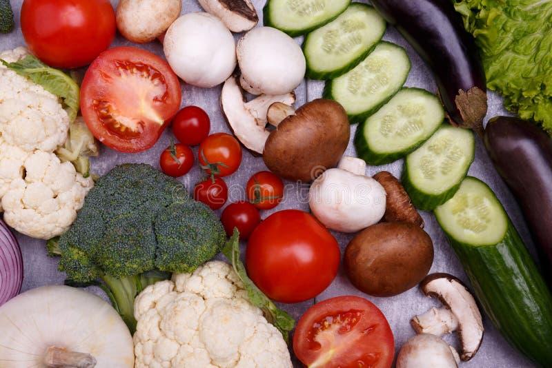 Una variedad de verduras frescas foto de archivo