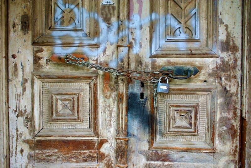 Una vecchia porta rovinata dell'ottomano immagine stock libera da diritti