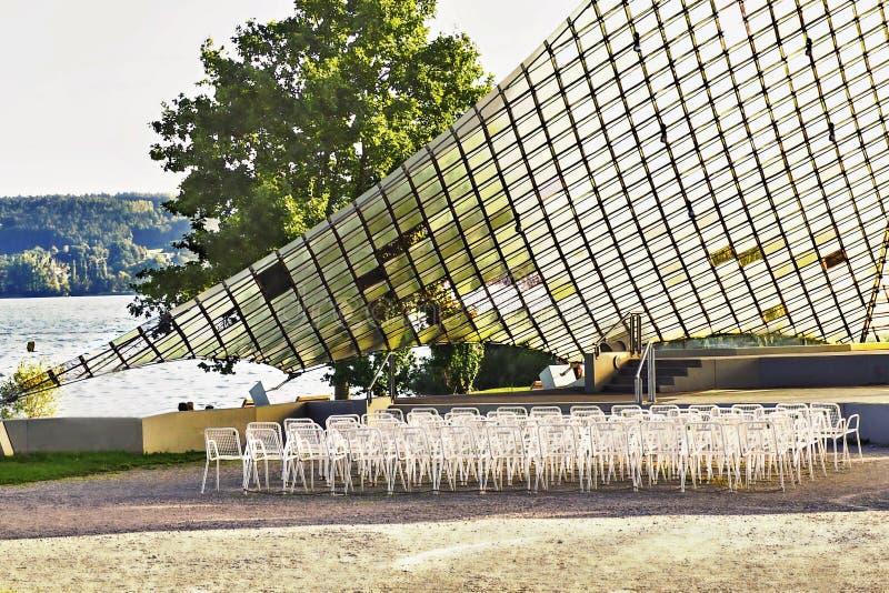 Una vela di concerto, posto di concerto sulla riva del lago di Costanza in un posto ha chiamato Radolfzell immagine stock
