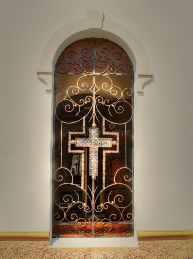 Una ventana vieja de la iglesia foto de archivo libre de regalías
