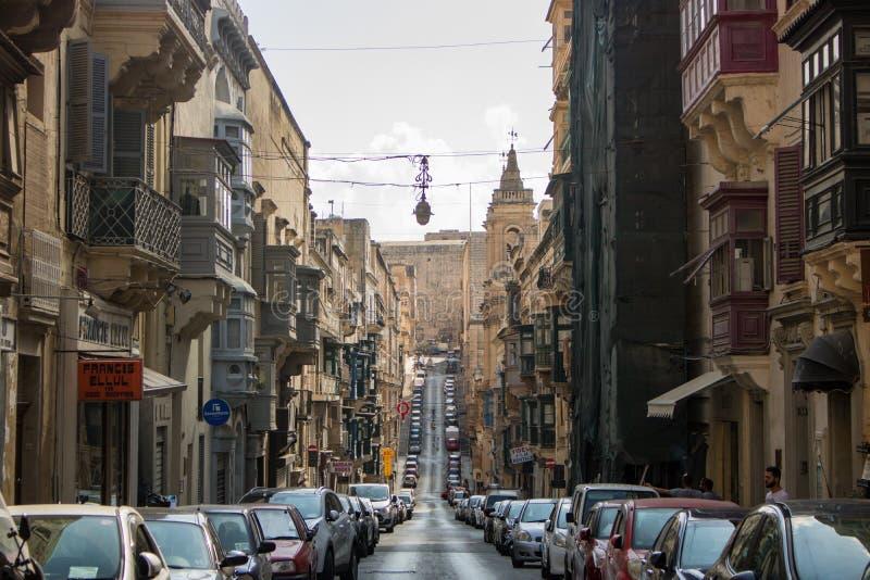 Una via lunga a La Valletta immagini stock