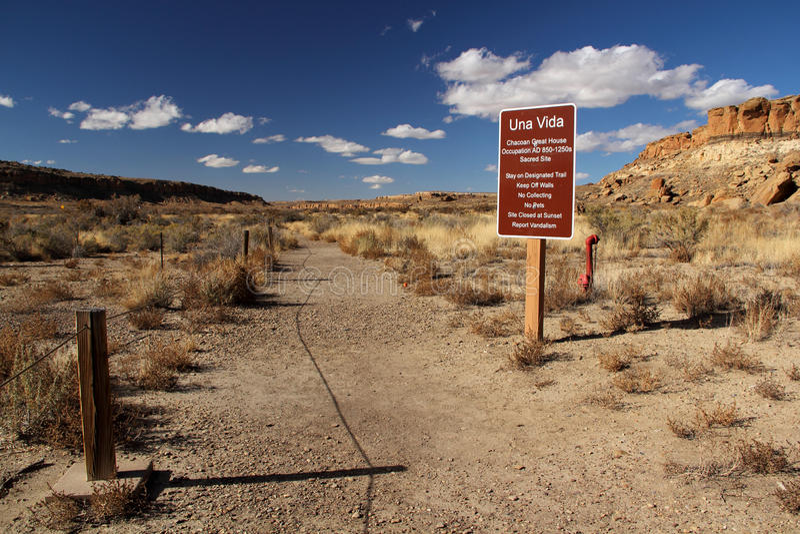 Una Vida Trailhead. Chaco Canyon, New Mexico royalty free stock photography