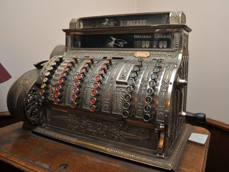 Una vieja caja registradora en Potosi fotografía de archivo libre de regalías