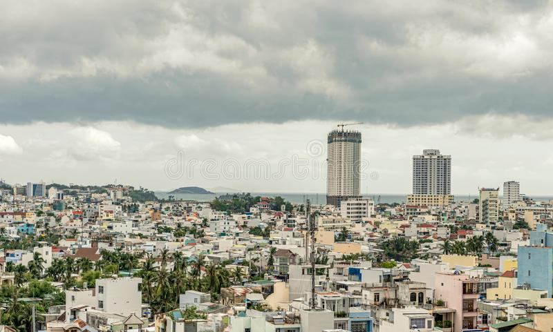 Una visión aérea sobre la ciudad de Nha Trang en Vietnam fotografía de archivo libre de regalías