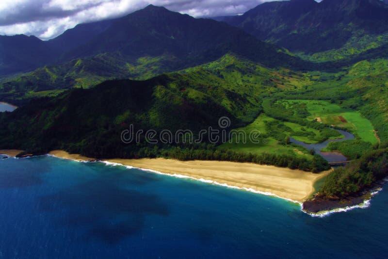 Download Una Visión Costera Desde El Mid-air Foto de archivo - Imagen de pista, costa: 184456