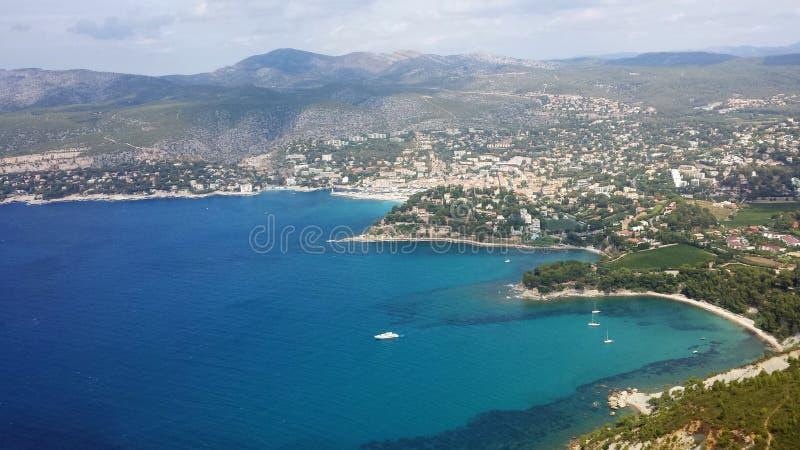 Una visión desde arriba de una montaña en Marsella foto de archivo libre de regalías