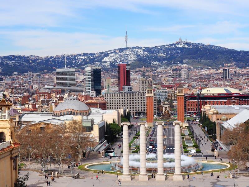Una visión desde el castillo de Montjuic, Barcelona en primavera temprana imagen de archivo