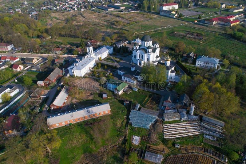 Una visi?n desde la altura de la fotograf?a a?rea del convento del salvador-Euphrosyne Polotsk, Bielorrusia imágenes de archivo libres de regalías