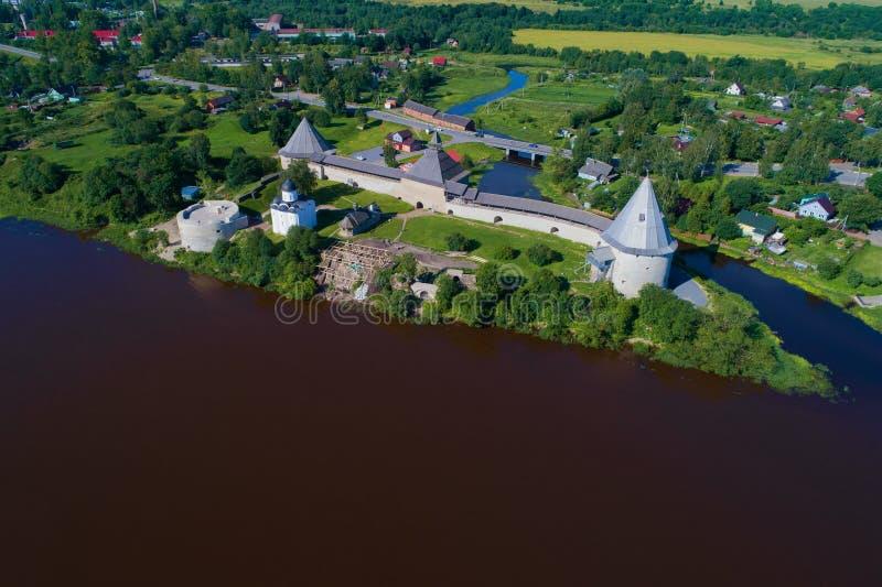 Una visión desde la altura de la fotografía aérea de la fortaleza de Staraya Ladoga Regi?n de Leningrad foto de archivo libre de regalías