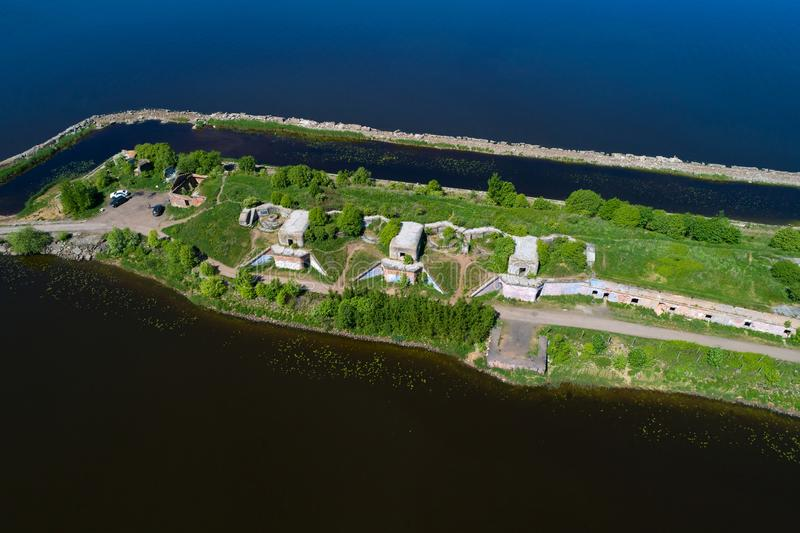 Una visión desde la altura de la posición de la artillería del primer fuerte septentrional Kronstadt, Rusia imagenes de archivo