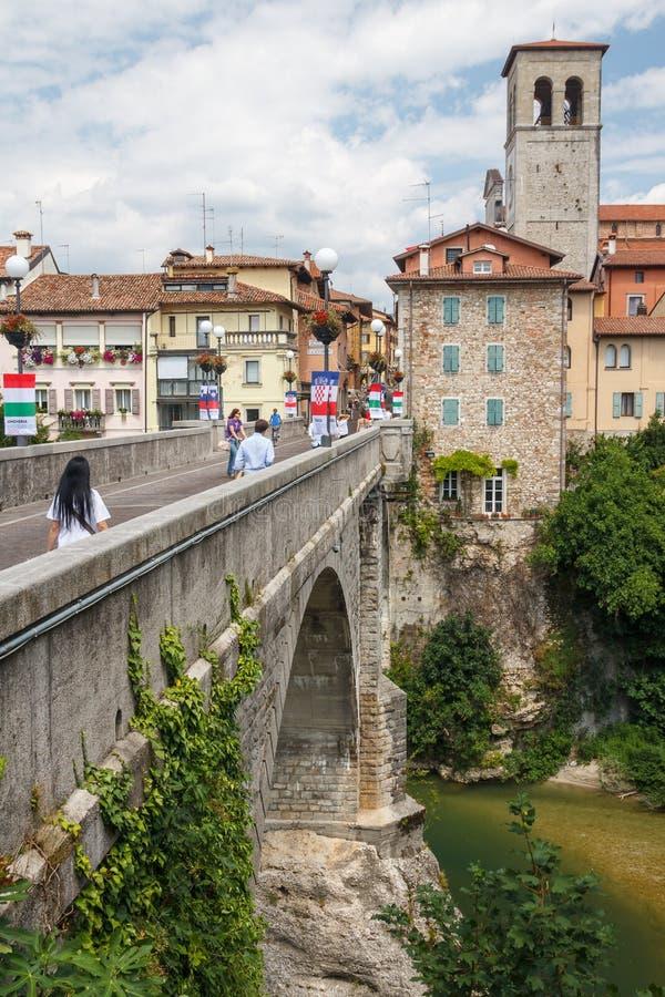 Una visión sobre el puente foto de archivo libre de regalías