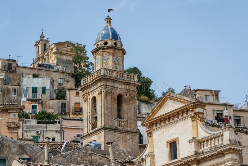 Una visión sobre una parte más inferior de Ragusa, una ciudad de la herencia de la UNESCO imágenes de archivo libres de regalías