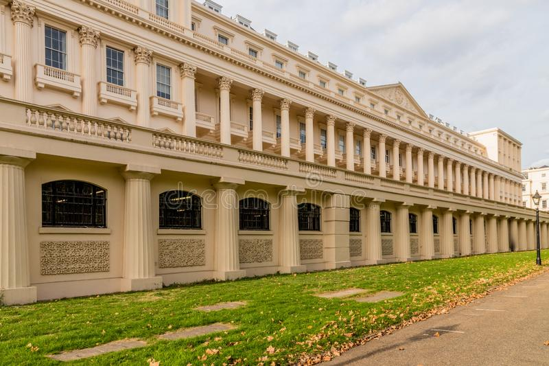 Una visión típica en Westminster en Londres imagenes de archivo