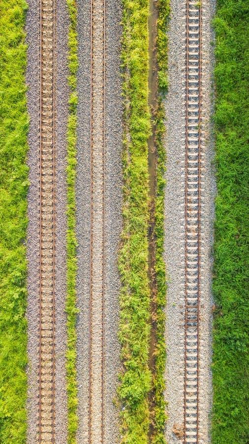 Una vista aérea de las pistas de ferrocarril fotos de archivo