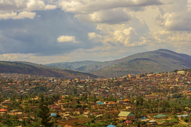Una vista ad una parte di Kigali nel Ruanda immagine stock