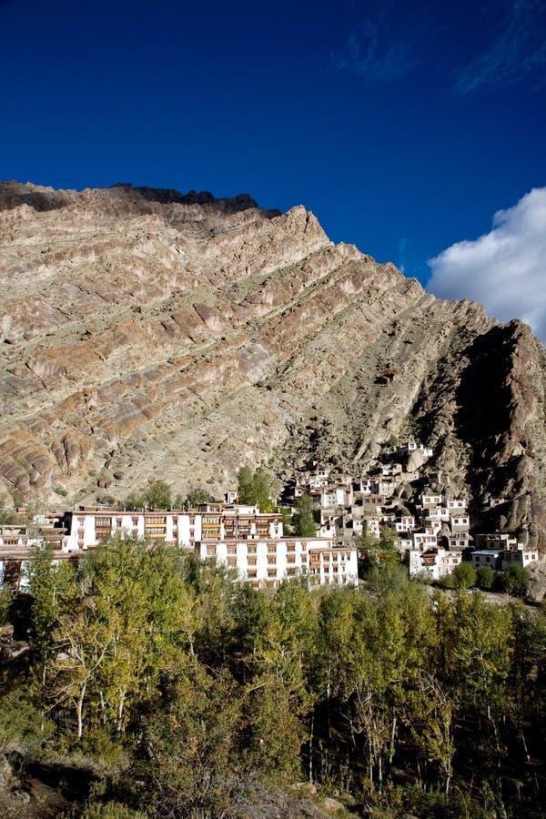 Una vista aerea del monastero di Hemis, Leh-Ladakh, il Jammu e Kashmir, India immagine stock libera da diritti