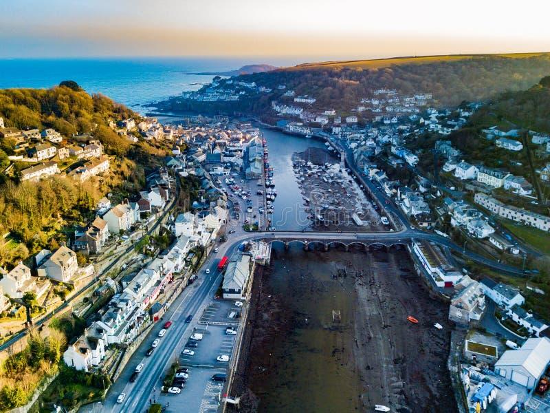 Una vista aerea di Looe in Cornovaglia, Regno Unito immagini stock
