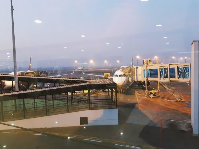 Una vista all'aeroporto di hatta di Soekarno Jakarta, Indonesia fotografia stock libera da diritti