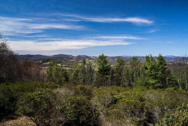 Una vista alpina nelle montagne della Nord Carolina, U.S.A. fotografie stock