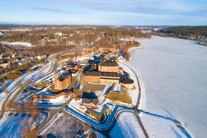 Una vista dalle altezze della fortezza antica del rilevamento aereo della città di Hameenlinna finland fotografia stock
