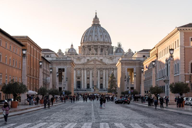 Una vista de la basílica del ` s de San Pedro en Vaticano roma fotos de archivo libres de regalías
