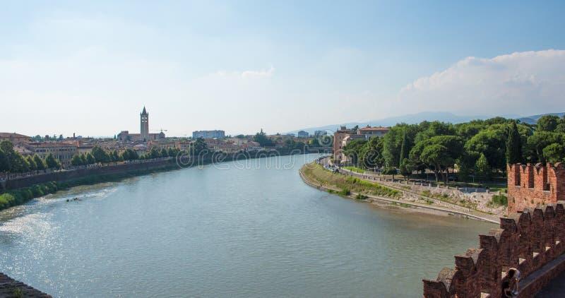 Una vista de la ciudad de Verona, Italia fotografía de archivo libre de regalías