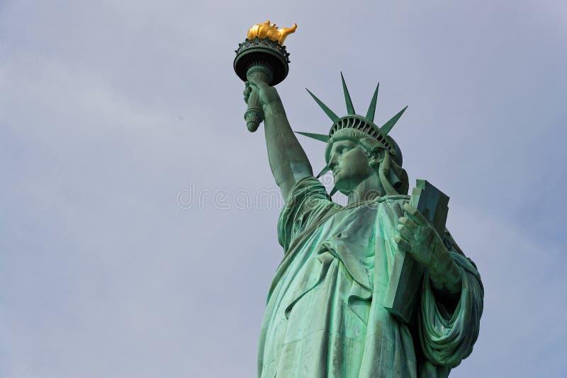 Una vista de la estatua de la libertad fotografía de archivo libre de regalías