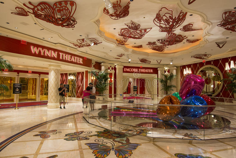 Una vista de los teatros de Wynn y de la repetición dentro del hotel de Wynn en Las Vegas fotos de archivo