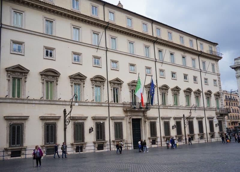 Una vista de Palazzo Chigi en Roma imagen de archivo libre de regalías