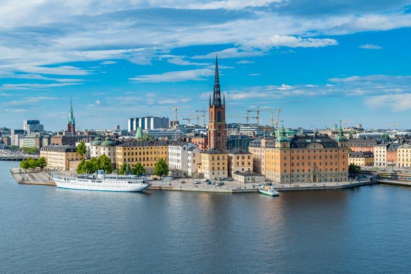 Una vista de Riddarholmen un pequeño islote en Estocolmo central fotografía de archivo