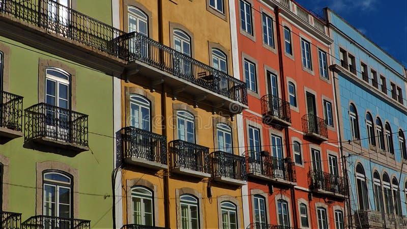 Una vista dei colori della città di Lisbona nel Portogallo immagine stock libera da diritti
