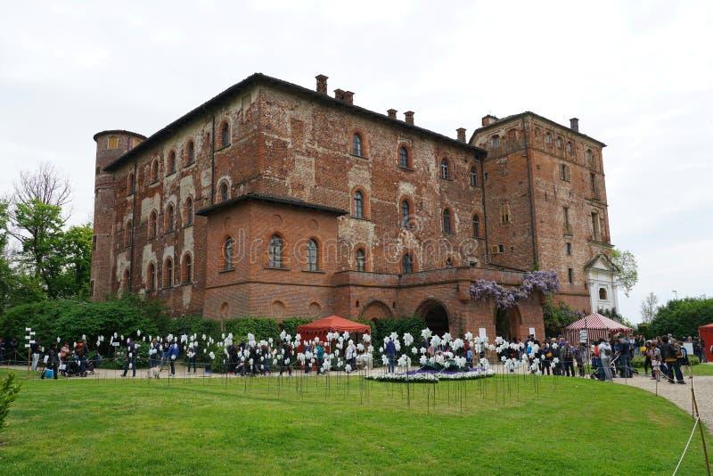Una vista del castello maestoso di Pralormo fotografia stock