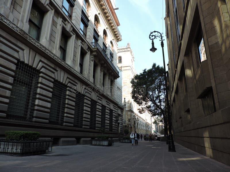 Una vista del centro della via fotografie stock libere da diritti