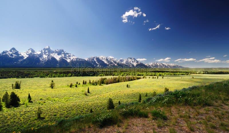 Una vista del parque nacional del teton magnífico imagenes de archivo
