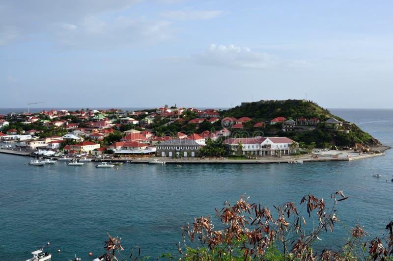 Una vista del porto di St.Barth (le Antille francesi) immagini stock