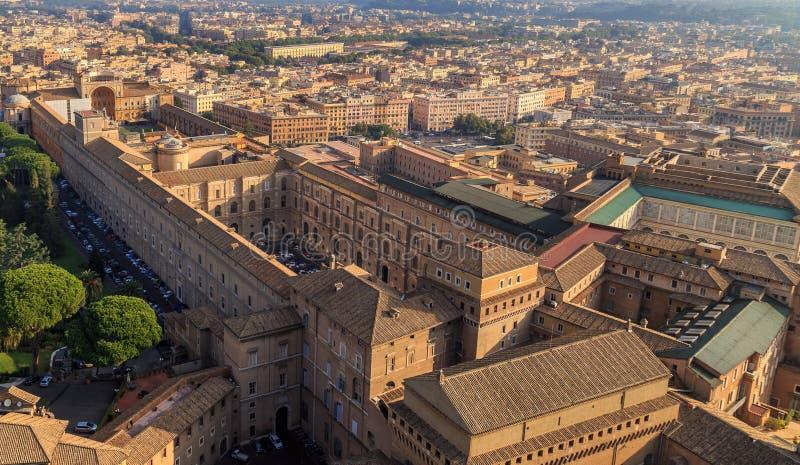 Una vista della cappella di Sistine e dei musei del Vaticano a Roma immagini stock