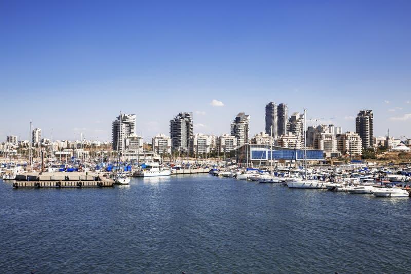 Una vista della città di Ashdod dal mar Mediterraneo immagini stock libere da diritti