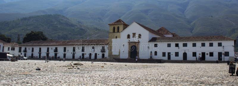 Una vista della piazza in Villa de Leyva, Colombia, Ame del sud fotografie stock libere da diritti