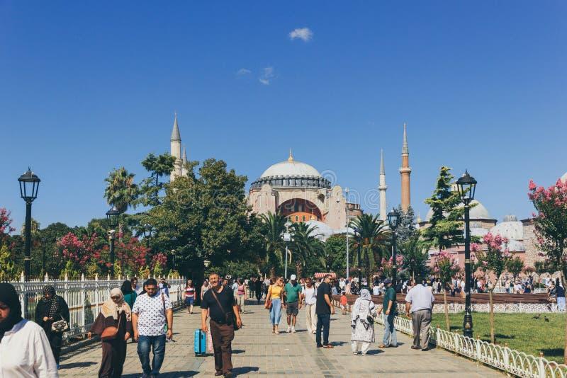 Una vista di Hagia Sophia durante l'estate immagine stock