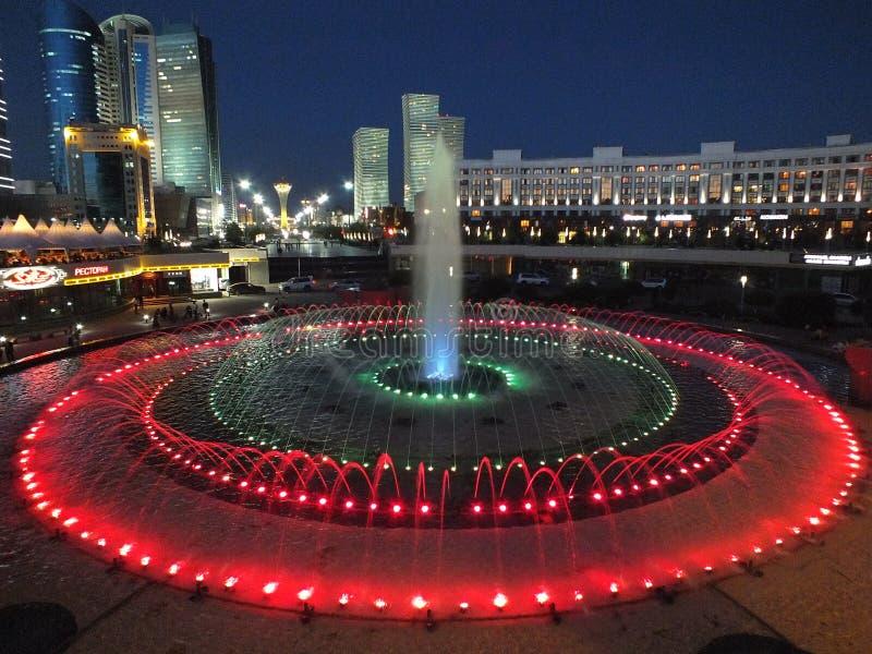 Una vista di notte a Astana fotografia stock libera da diritti