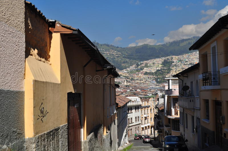 Una vista general de Quito céntrica imágenes de archivo libres de regalías