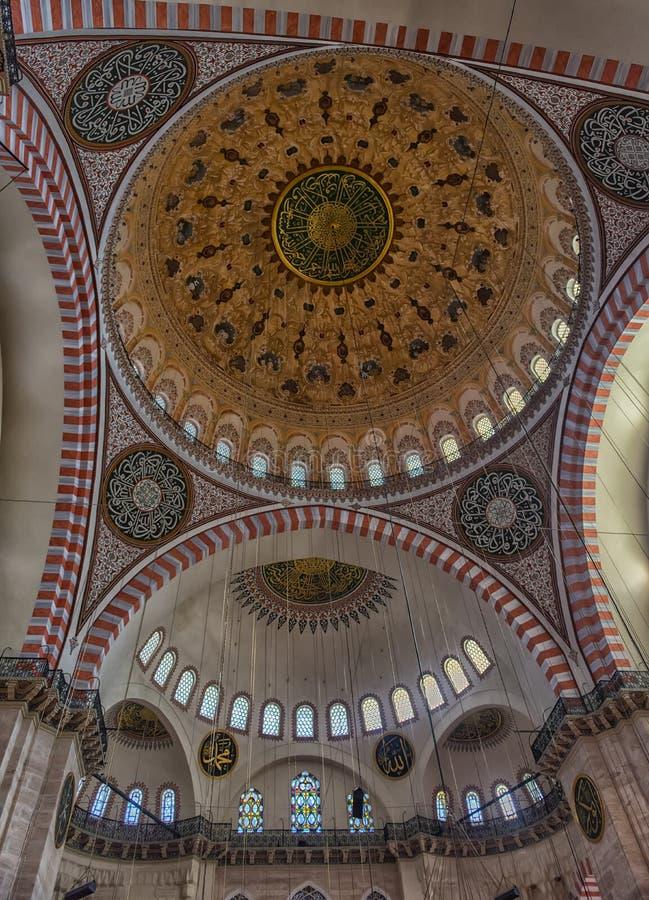 Una vista interna della moschea di Suleymaniye (Suleymaniye Camisi), IST fotografie stock libere da diritti
