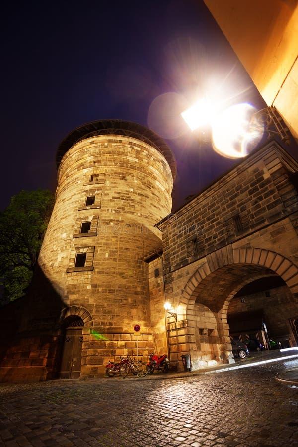 Una vista más cercana de Kaiserburg con la torre, Nuremberg foto de archivo libre de regalías