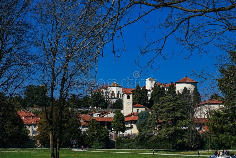 Una vista magnifica del castello di Masino fotografia stock