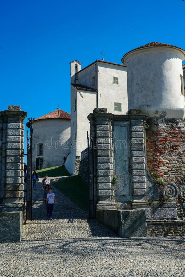 Una vista magnifica del castello di Masino fotografia stock libera da diritti