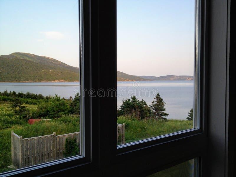 Una vista spettacolare della baia di Bonne fuori del punto di Norris nel mattino di Gros fotografie stock