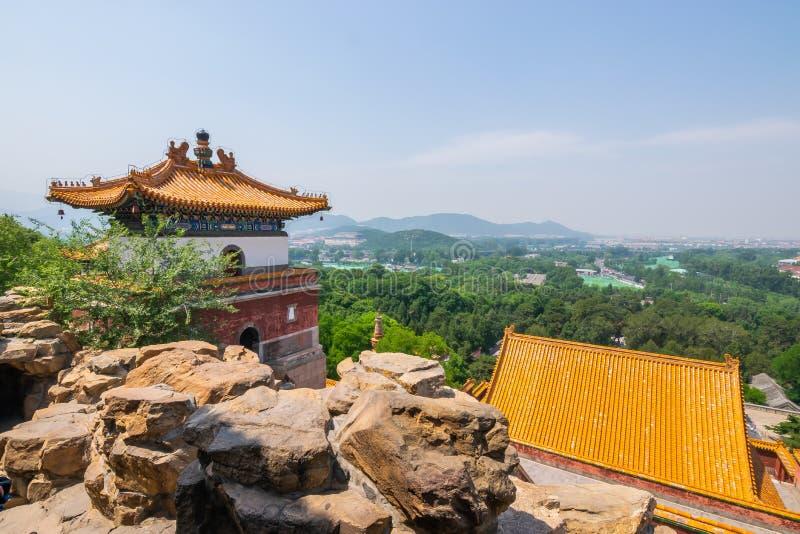 Una vista tempio di quattro di grande regioni, tempio tibetano di stile, che è il più grande nel palazzo di estate di Pechino al  immagini stock libere da diritti