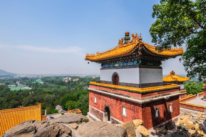 Una vista tempio di quattro di grande regioni, tempio tibetano di stile, che è il più grande nel palazzo di estate di Pechino al  fotografie stock libere da diritti