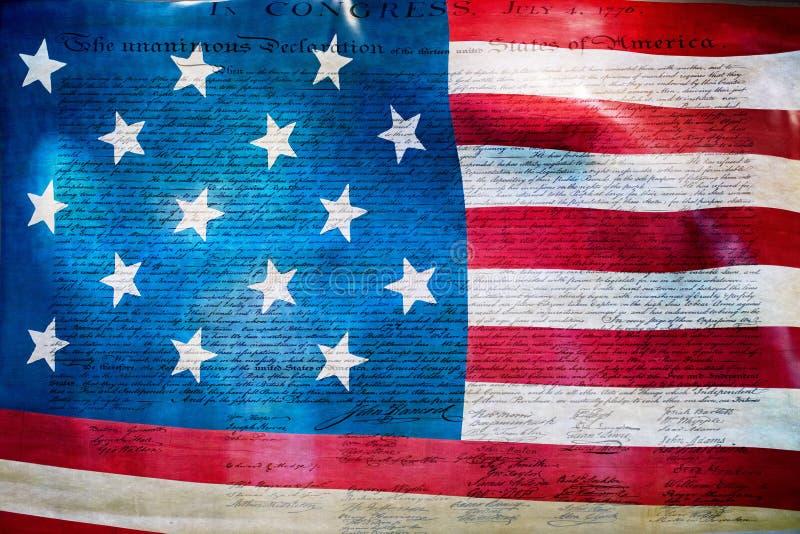 Unabhängigkeitserklärung am 4. Juli 1776 auf USA-Flagge lizenzfreie stockfotografie